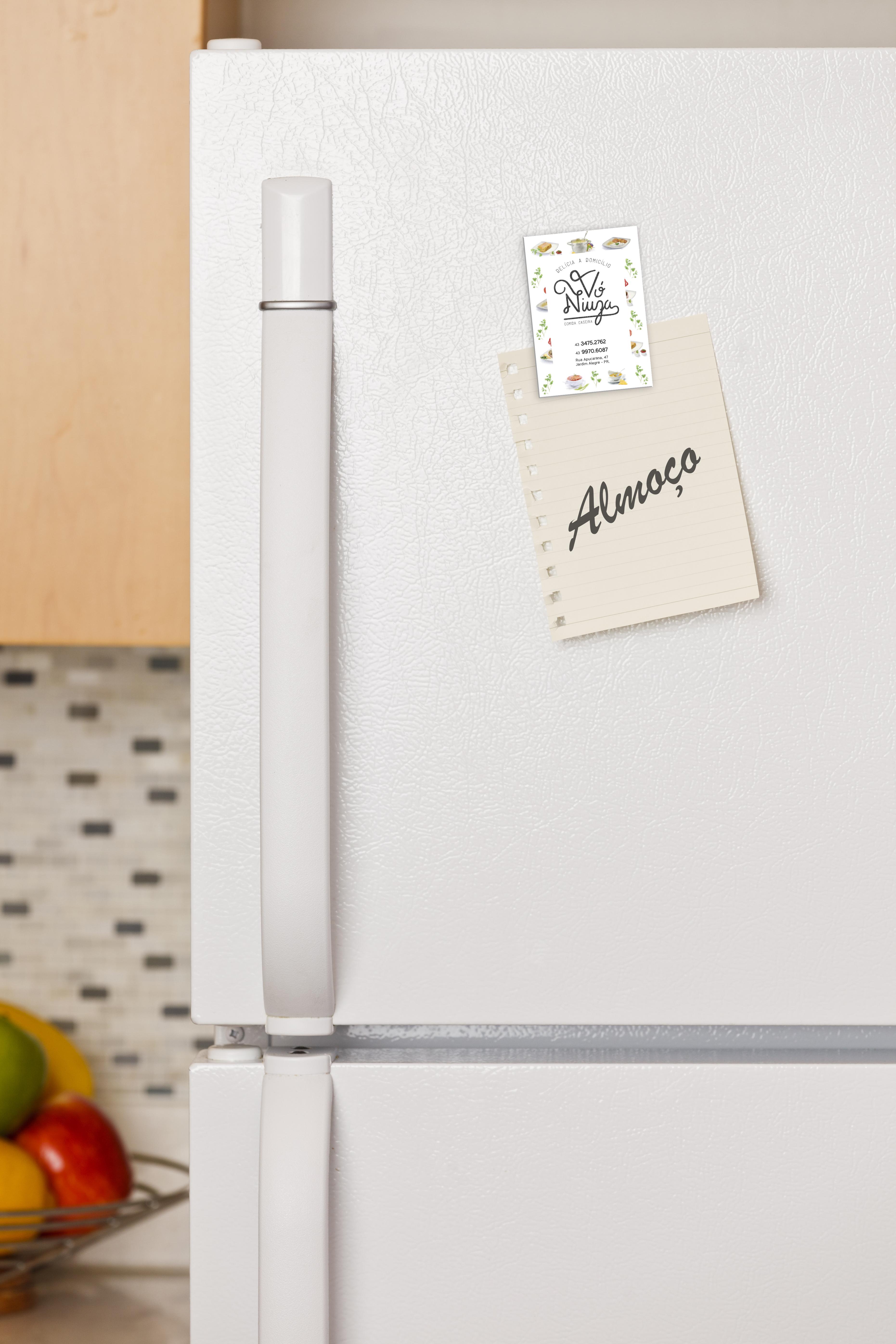 Inteligencia Marketing - VÓ NIUZA – NOVA IDENTIDADE - Note on refrigerator door