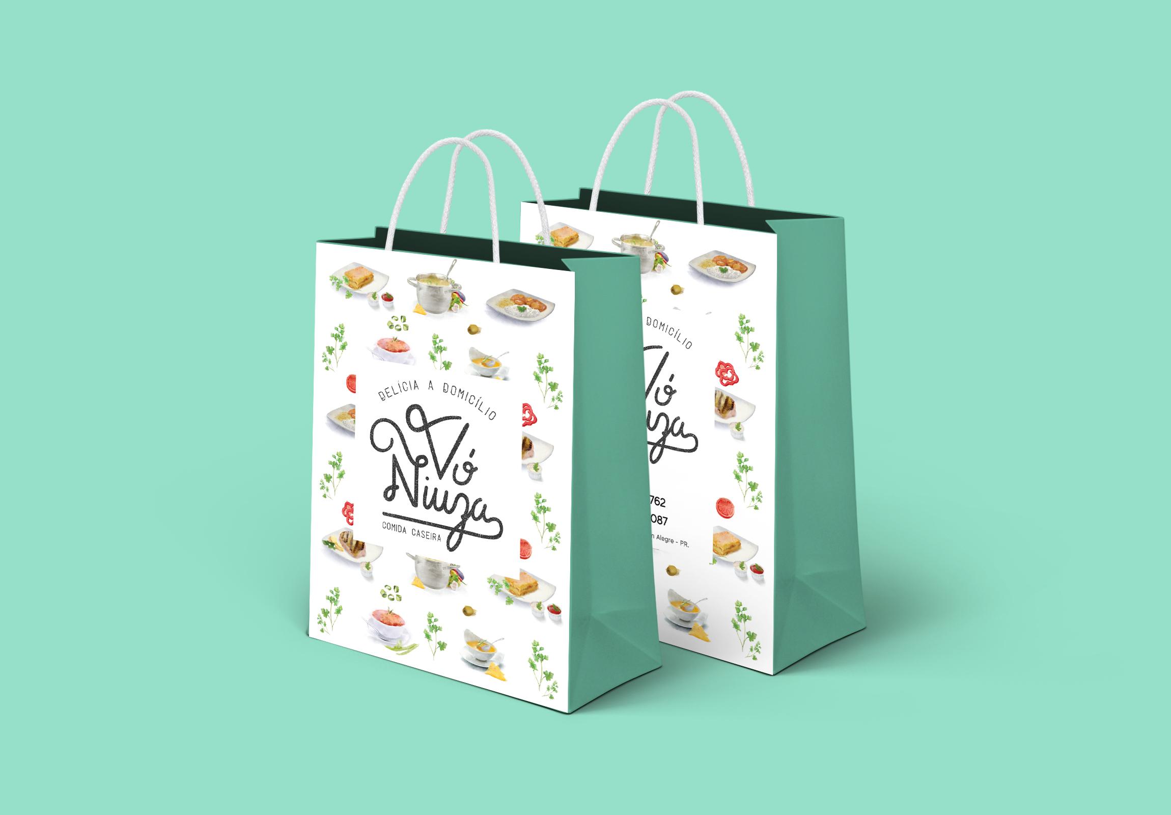 Inteligencia Marketing - VÓ NIUZA – NOVA IDENTIDADE - Shopping Bag PSD MockUp